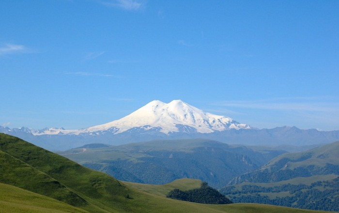 Mount Elbrus   Alluring World