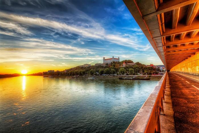 14 Bratislava Castle