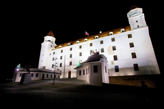 15 Bratislava Castle