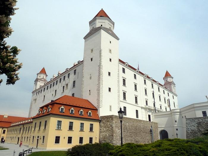 17 Bratislava Castle
