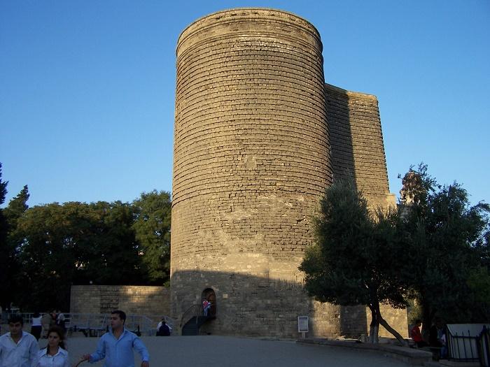 2 Maiden Baku