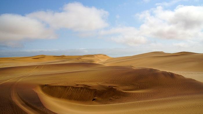 24 Namib Desert