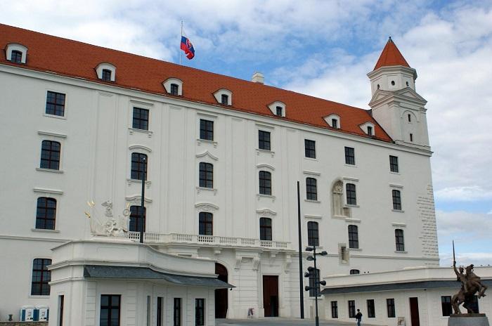 5 Bratislava Castle