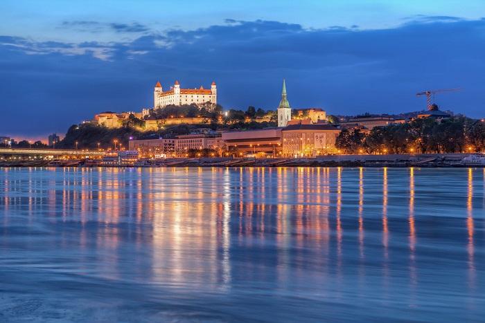 8 Bratislava Castle