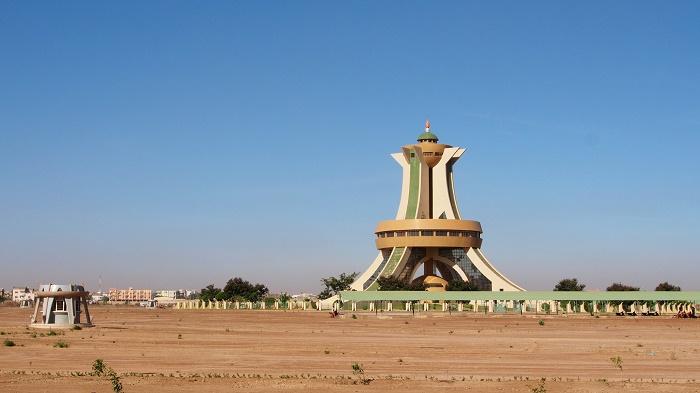 8 Martyr Faso