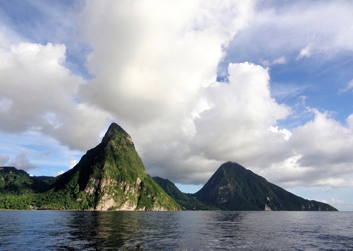 2 Pitons Lucia