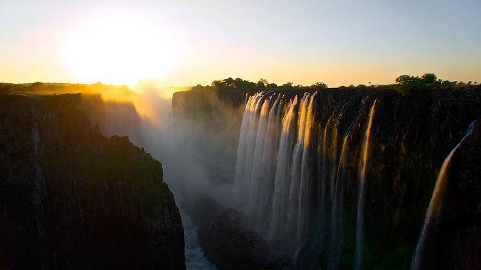 4 Victoria Falls