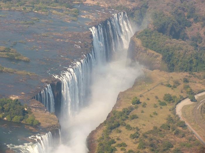 6 Victoria Falls