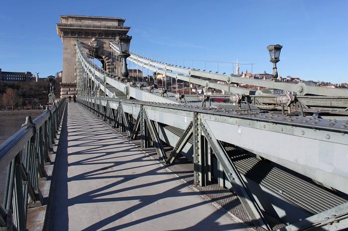 7 Chain Bridge