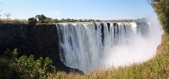 8 Victoria Falls