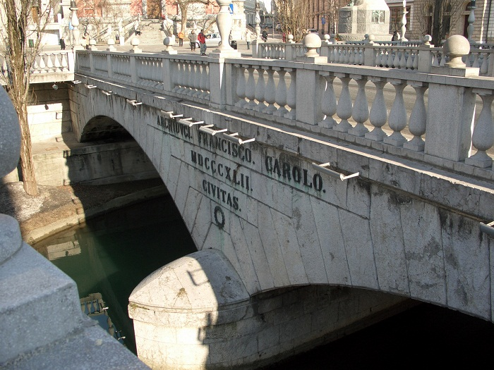 7 Triple Bridge