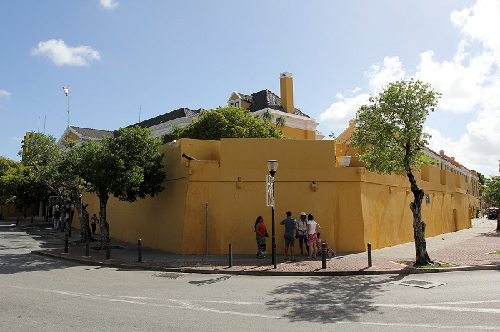 9 Fort Amsterdam