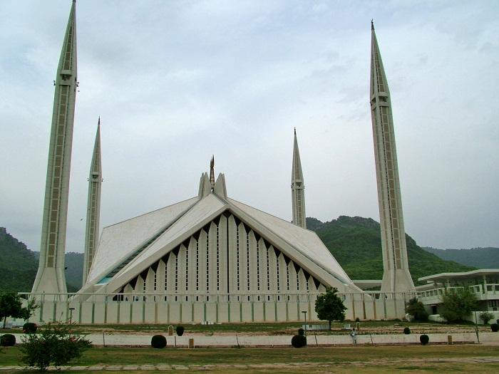 1 Faisal Mosque