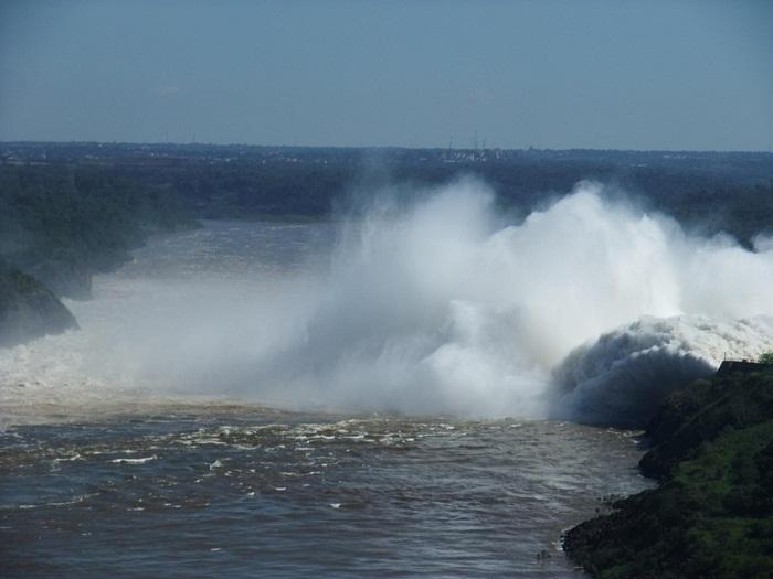 2 Itaipu Dam