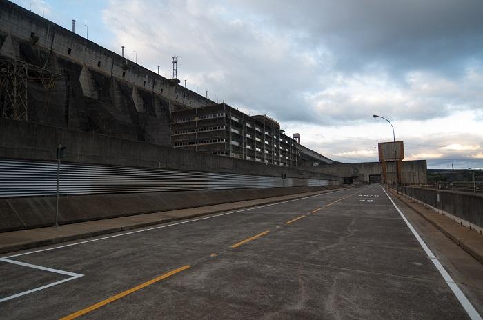 4 Itaipu Dam