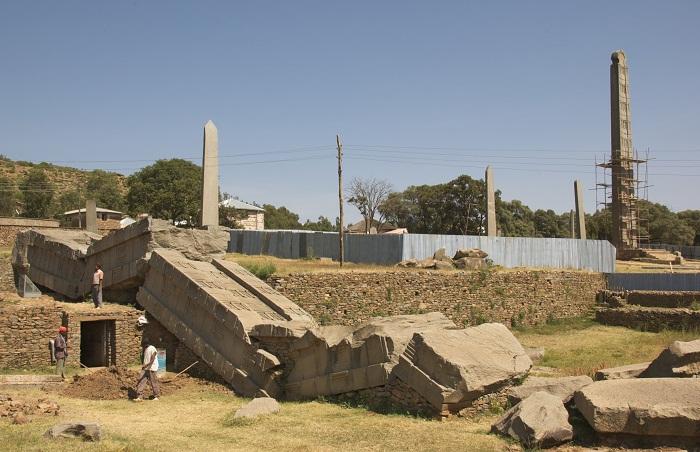 6 Axum Obelisk