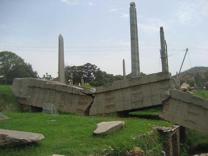 8 Axum Obelisk