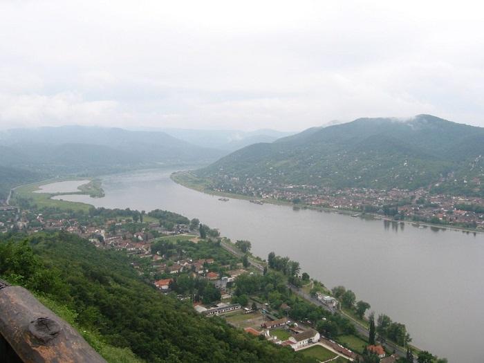 8 Danube Bend