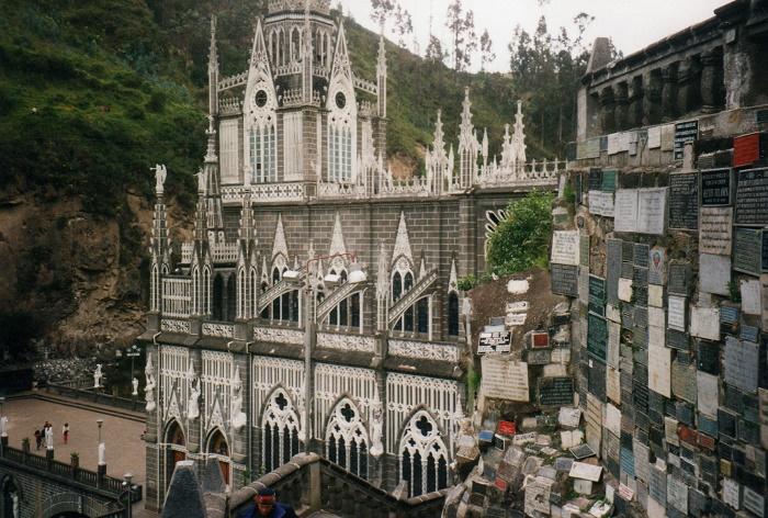 8 Las Lajas