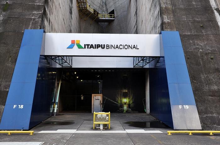 9 Itaipu Dam