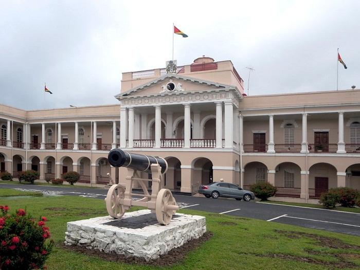 1 Guayana Parliament