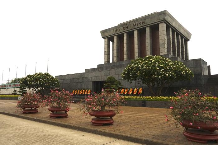 1 Minh Mausoleum