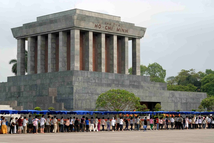 2 Minh Mausoleum