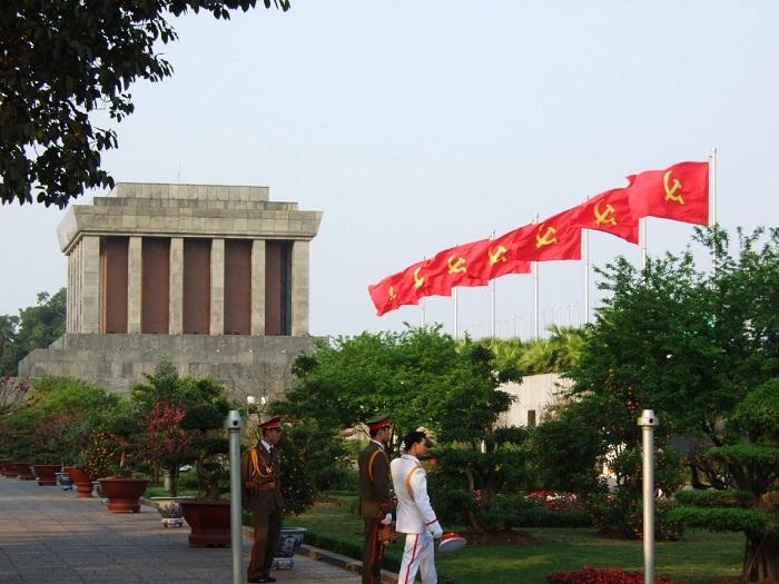 5 Minh Mausoleum