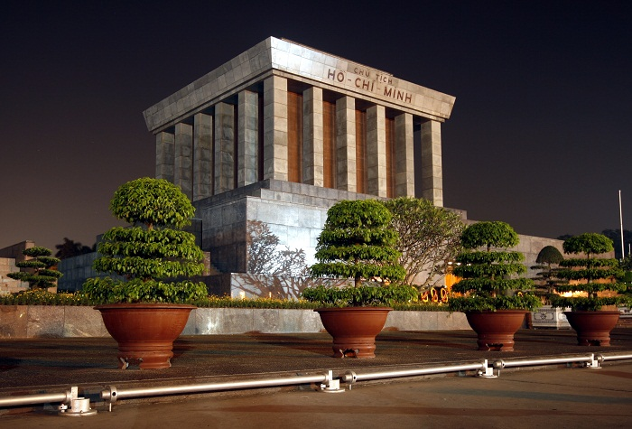 6 Minh Mausoleum