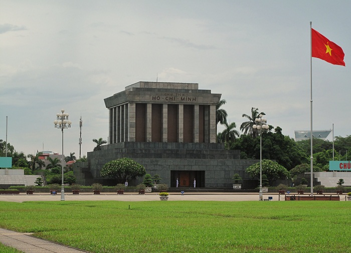 9 Minh Mausoleum