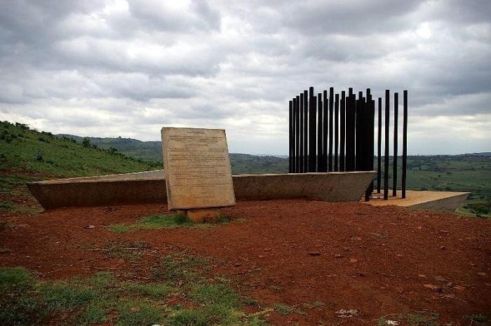 1 Machel Monument