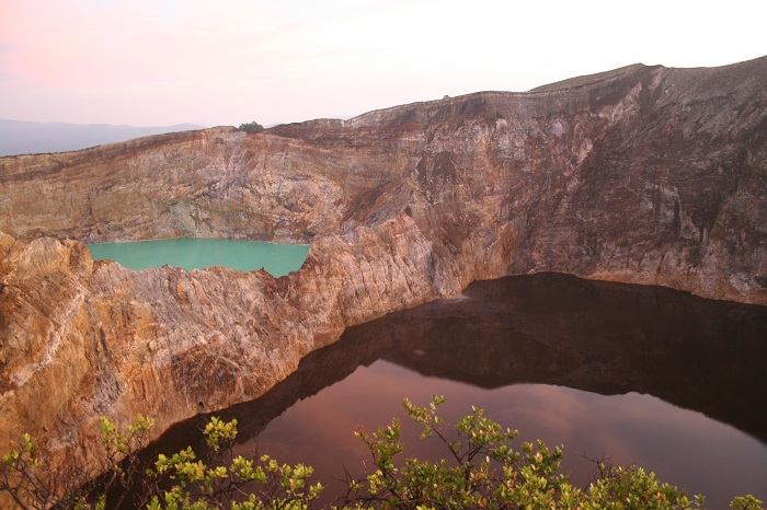 8 Crater Indonesia