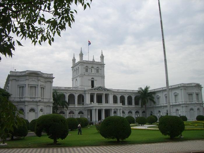 6 Palacio Lopez