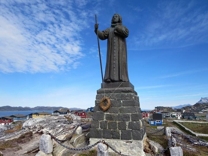 1 Statue Egede