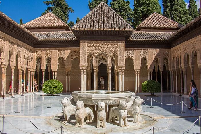11 Alhambra