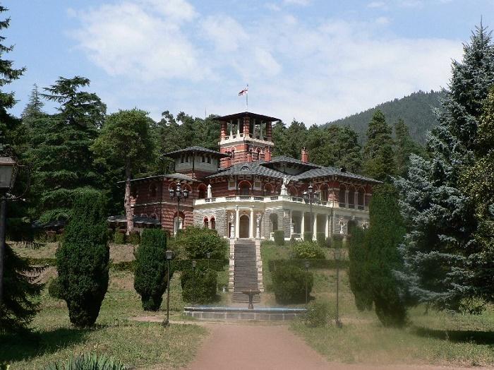 3 Likani Palace