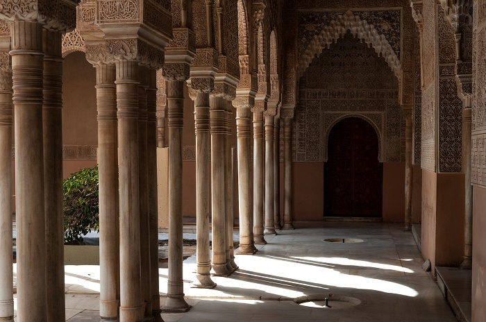 8 Alhambra