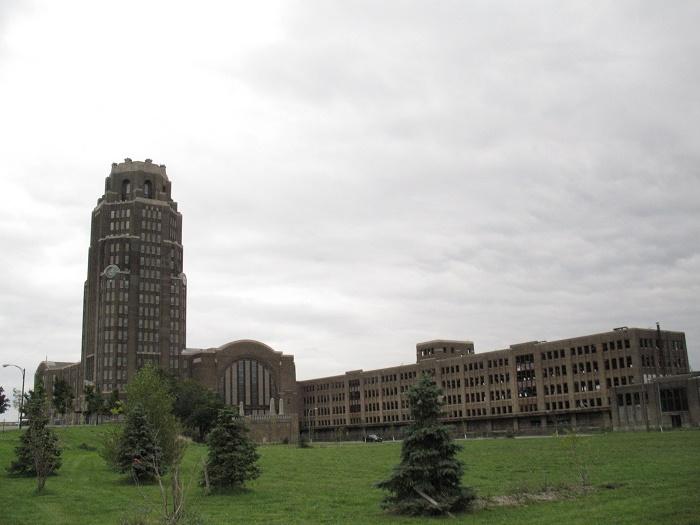 12 Buffalo Terminal