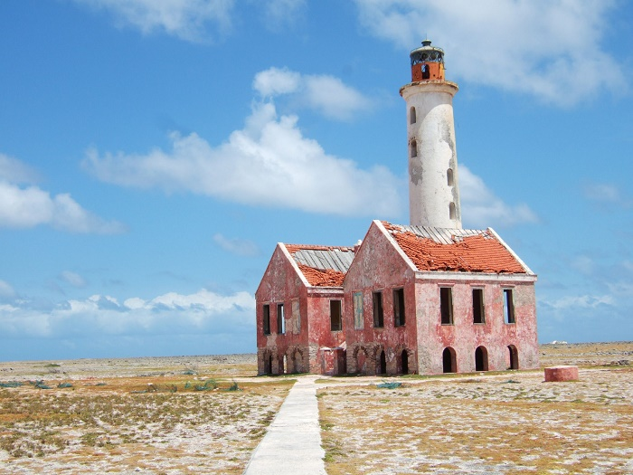 7 Small Curacao