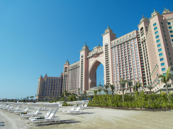 8 Atlantis Palm