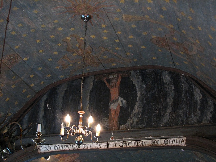 4 Undredal Church