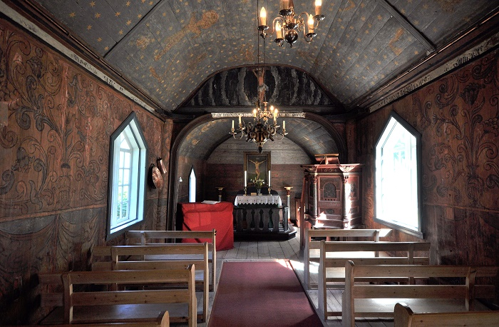 5 Undredal Church