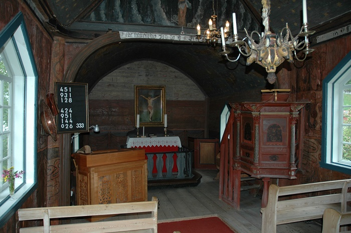 6 Undredal Church