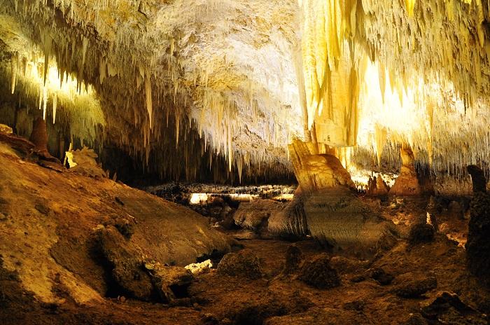 2 Jewel Cave