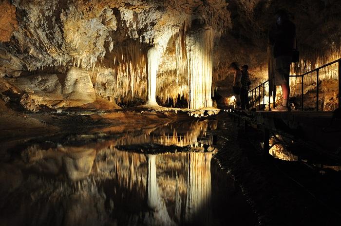 4 Jewel Cave