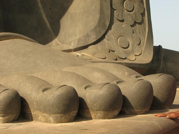5 Thiruvalluvar