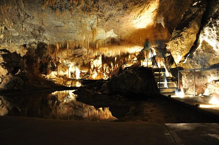 6 Jewel Cave