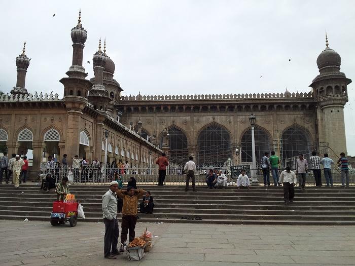 11 Makkah Masjid