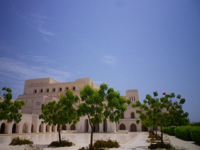 2 Muscat Opera