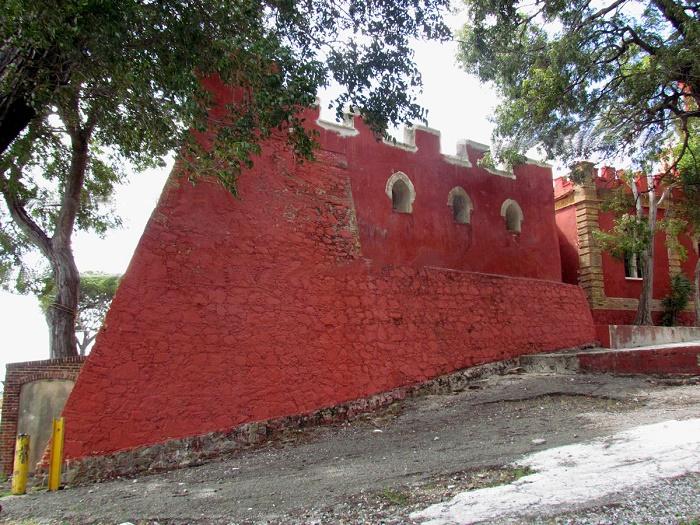 4 Fort Christian